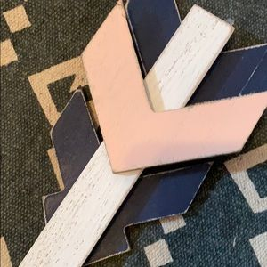Hobby Lobby Accents - New Arrow Wall Decor